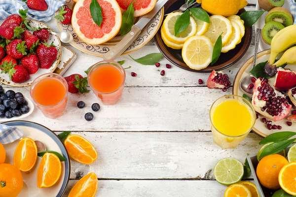 Bổ sung vitamin C giúp chăm sóc da sần sùi