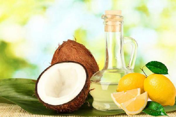 Trị thâm mụn bằng dầu dừa hiệu quả nhất