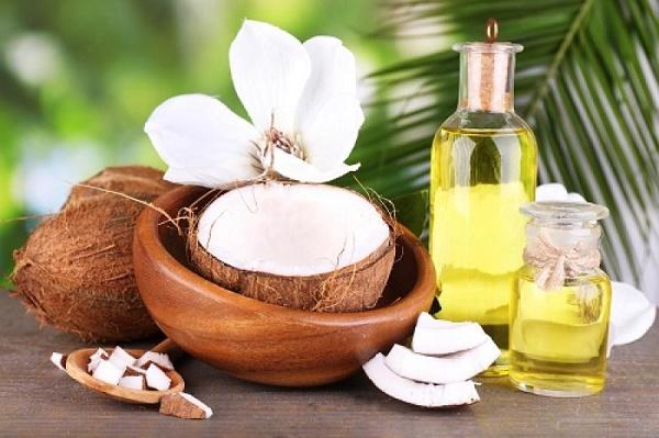 Sử dụng dầu dừa nguyên chất kích thích mọc lông mày