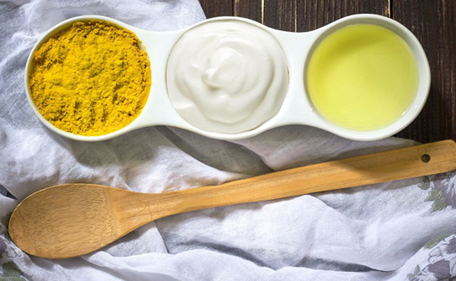Trị mụn bằng nghệ và sữa chua cải thiện làn da nhanh chóng