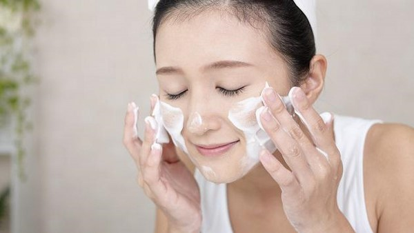 Làm sạch da-cách trị lỗ chân lông to trên da mặt