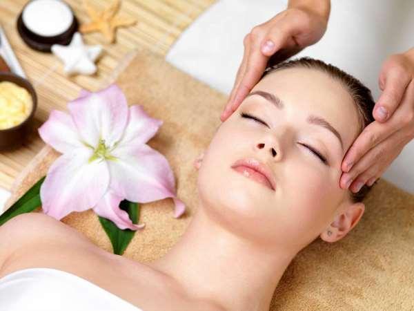Massage là Cách sử dụng dầu dừa cho da mặt