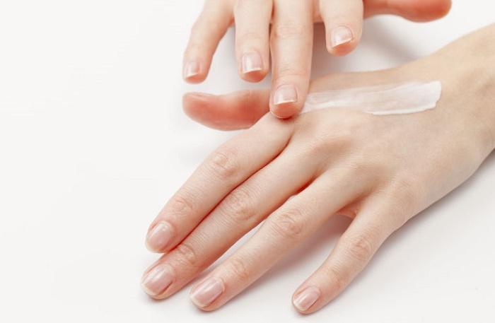 Dầu dừa và đường giúp làm đẹp cho da tay
