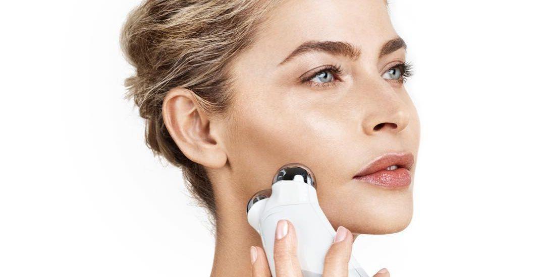 Máy massage nâng cơ trẻ hóa làn da