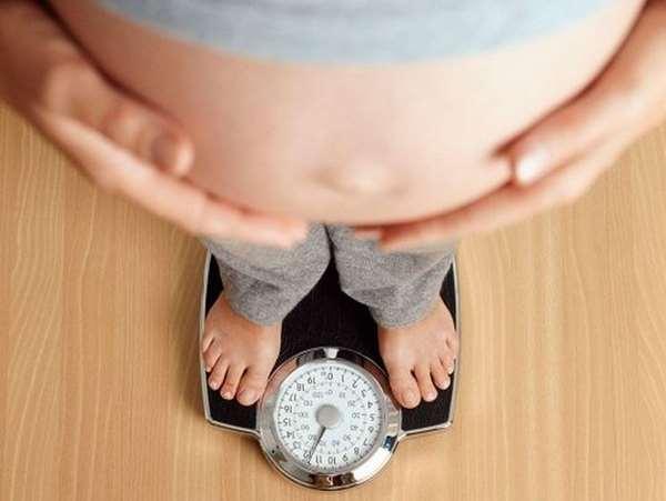 Kiểm soát cân nặng giúp làm sao để không bị rạn da khi mang thai
