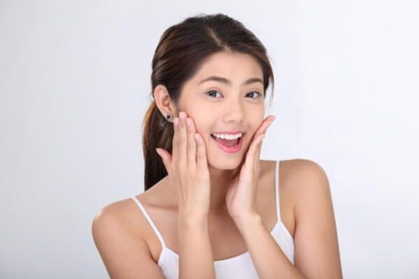 Nước giúp ngăn ngừa cho da nhờn hiệu quả