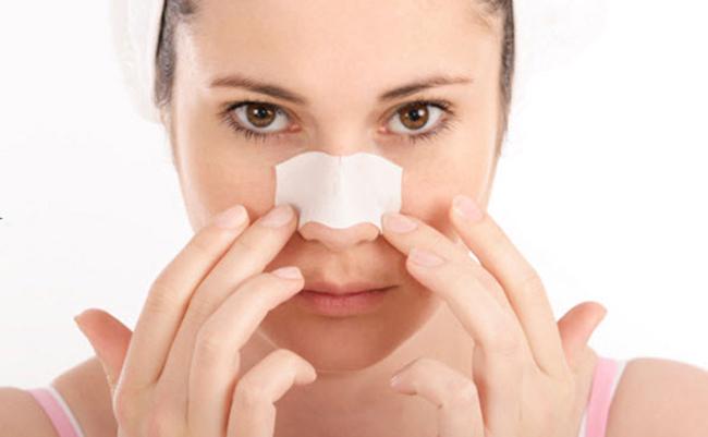 Đắp các loại mặt nạ trị mụn đầu đen ở mũi