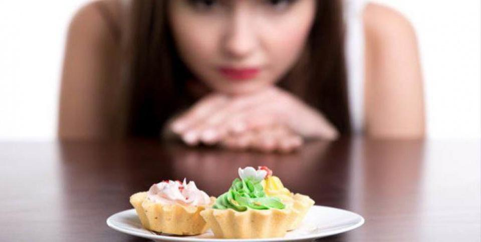 Ăn nhiều đồ ngọt không tốt cho làn da