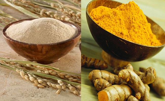 trị mụn bằng cám gạo và tinh bột nghệ