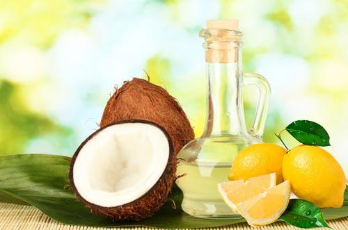 trị mụn bằng dầu dừa có hiệu quả không